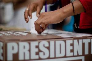 """Marco Rubio, Bob Menéndez y Tim Kaine instaron a la administración a """"vigilar los sistemas electorales de México y Latinoamérica"""""""