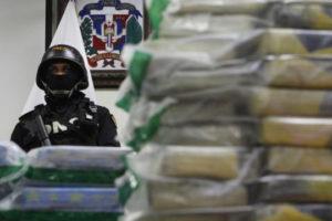 La Dirección Nacional de Control de Drogas del país decomisó 1.502 paquetes de un polvo que se presume es cocaína