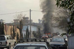 Un terrorista suicida se hizo estallar frente al antiguo edificio del ministerio de Interior ubicado en la capital afgana