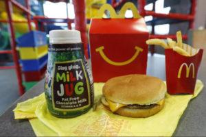 McDonald's retira 2 productos de la cajita feliz en Estados Unidos