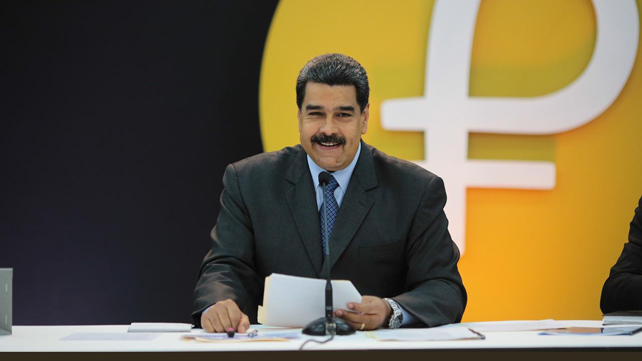 El Ejecutivo anunció que Pdvsa, Pequiven y la Corporación Venezolana de Guayana deberán realizar parte de sus operaciones comerciales en la nueva moneda digital