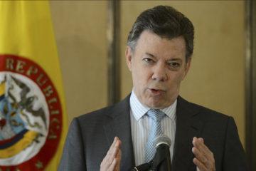 """El mandatario colombiano criticó la """"escandalosa dilapidación"""" de los fondos públicos en el país"""
