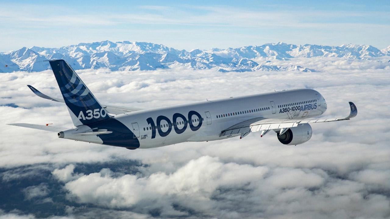La empresa fabricante de aviones Airbus busca eliminar planes de datos en vuelos y la exclusividad por Wifi, a fin de ofrecer una mejor conexión
