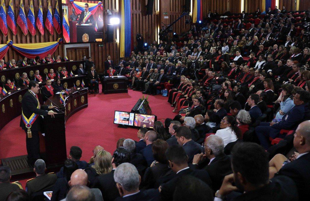 El presidente Maduro también extendió hasta el 25 de febrero la inscripción de los venezolanos en el Registro Electoral Permanente