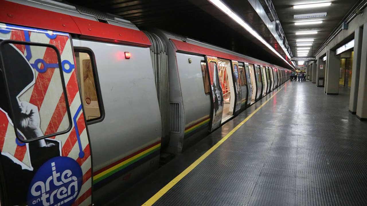 Doblellave-Metro de Caracas normalizó paso de trenes en L2 y L4