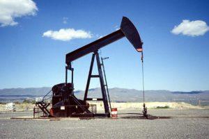 Actualmente se espera que la producción alcance un promedio de 98.600 millones de barriles diarios