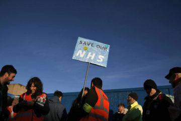 Recientemente, trabajadores y sindicatos salieron a las calles en Londres para manifestarse por los problemas sistémicos en el NHS