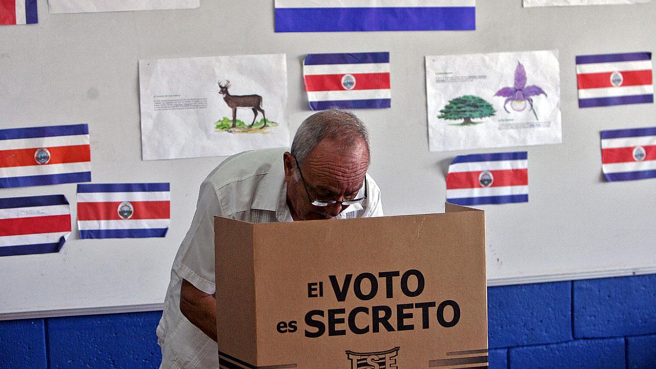 Doblellave-Costa Rica elegirá a su próximo presidente este domingo