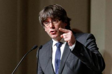 DOBLE LLAVE - La medida solicitada se extiende para los cuatro miembros de su gobierno que le acompañan en Bélgica y la dirigente de la CUP Ana Gabriel