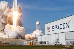 Compañía SpaceX lanza nuevos satélites