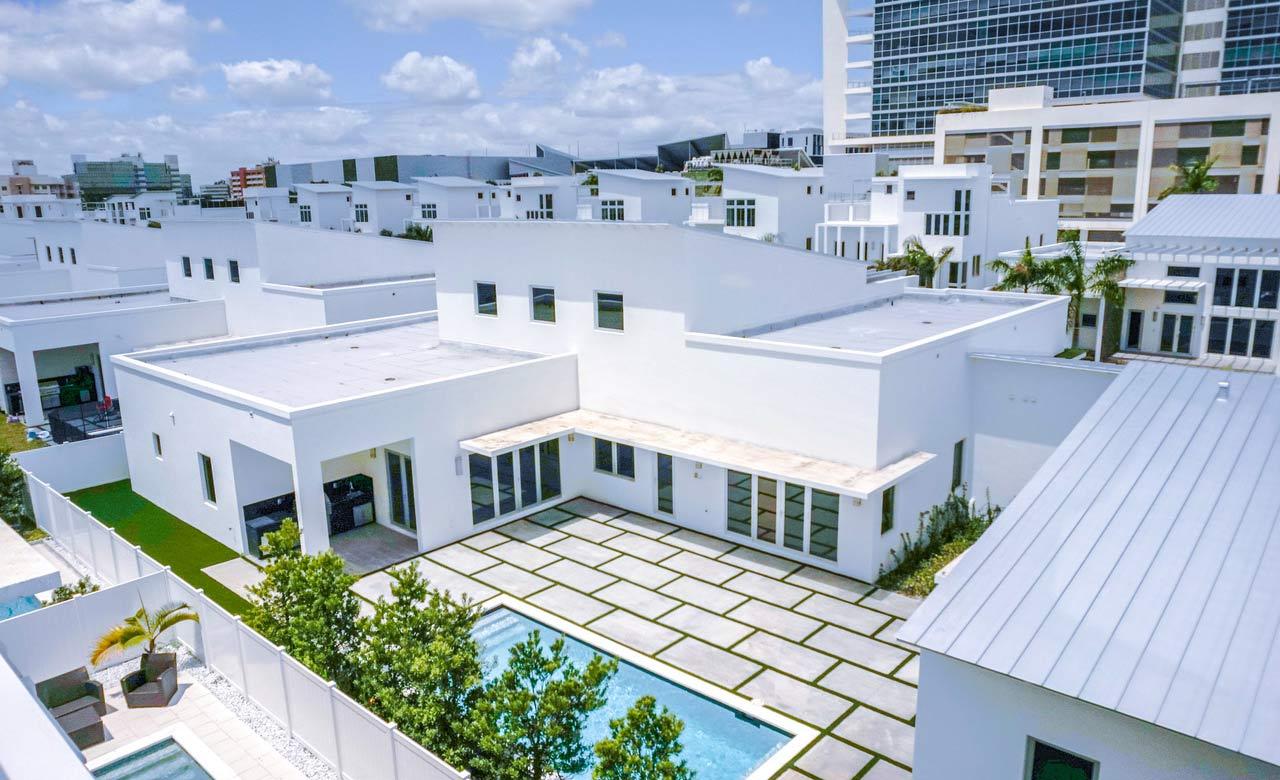 Conjuntos residenciales como Oasis Park Square dan cuenta de la renovación de la ciudad, trayendo un nuevo concepto de urbanismo y un estatus superior de lujo y confort a sus habitantes