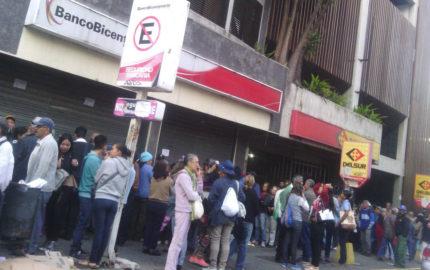 Doble Llave - Tercera jornada para pensionados se convirtió en protesta