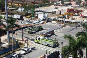 El puente, aún en construcción, cayó durante la tarde este 15 de marzo y hasta ahora diez personas se encuentran hospitalizadas