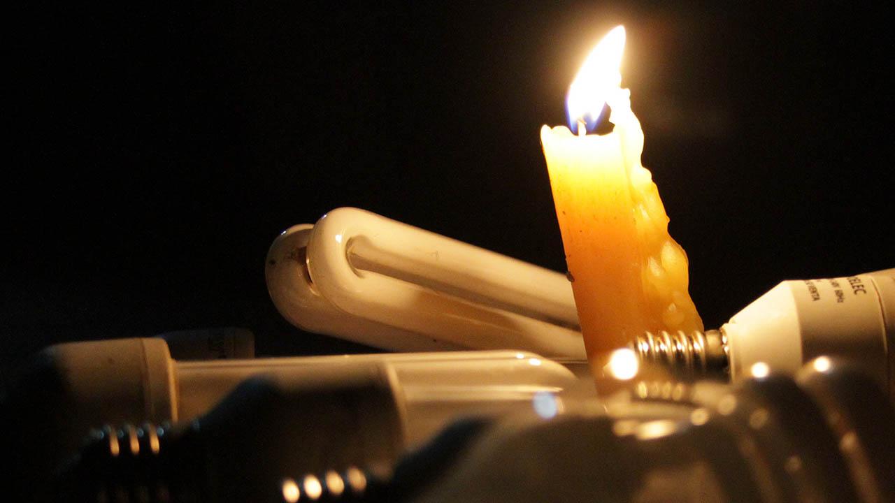 Usuarios de la red social Twitter denunciaron que Sabana Grande, Chacaíto y Bello Monte están sin el servicio eléctrico
