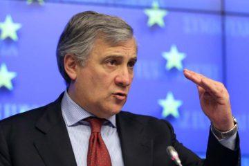 El presidente del ente, Antonio Tajani, propuso enviar una delegación parlamentaria a los puestos fronterizos de Brasil y Colombia