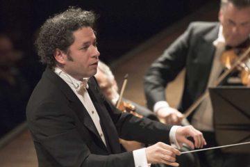 El músico mantiene una vinculación con la nación europea por razones familiares y culturales. Además, Andrés Pastrana también recibió la ciudadanía