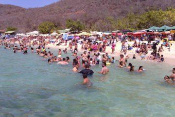La viceministra para Gestión de Riesgo y PC, Rosaura Navas, también informó que 195 mil funcionarios estarán desplegados en los balnearios