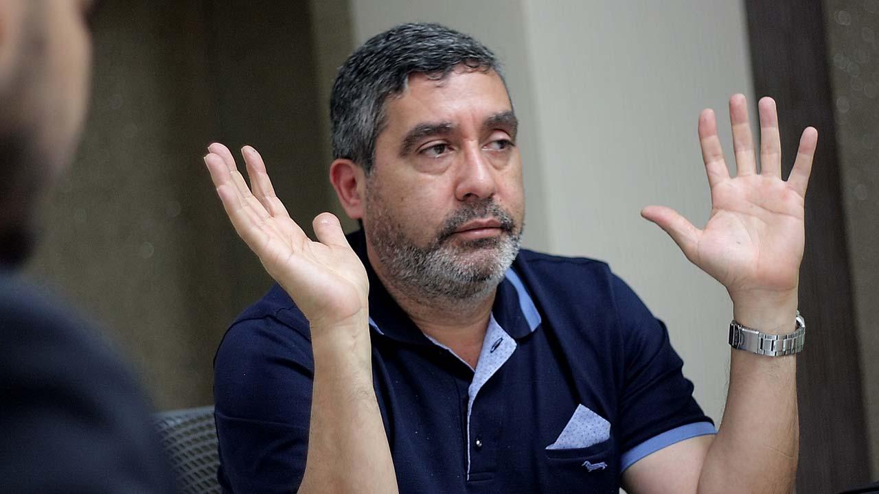 El periodista Luis Gonzalo Pérez reportó que funcionarios de la Dgcim llegaron a la casa del Mayor durante la noche de este 19 de marzo