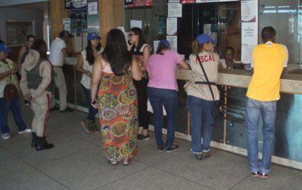 Los funcionarios se desplegarán en los terminales de pasajeros a fin de evitar el condicionamiento de venta y especulación