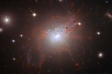 Investigadores determinaron que la galaxia NGC 1277 solo posee los cúmulos globulares rojos que se formaron con ella en su nacimiento