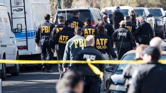 Autoridades no descartan que ambos sucesos estén relacionados, aunque no tienen ningún sospechoso por el momento