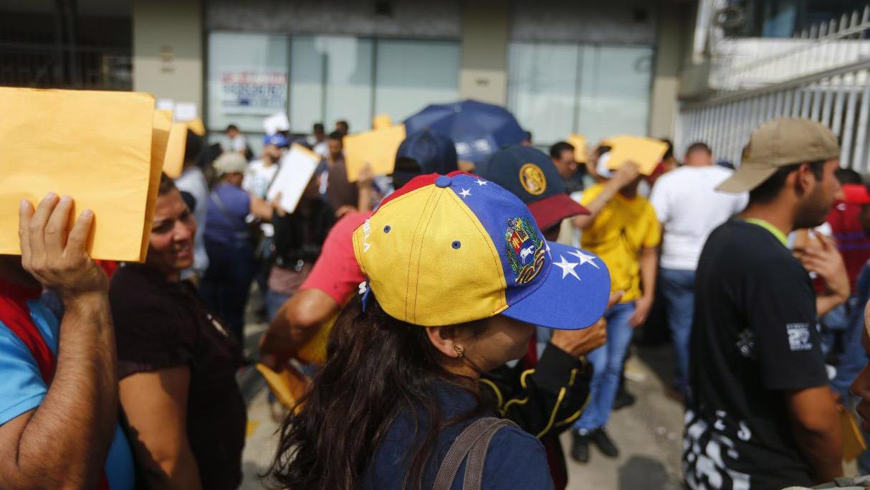 La Superintendencia Nacional de Migraciones informó que en la naciónactualmente hay más de 115.000 venezolanos