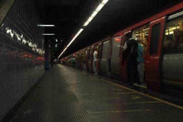 Doble llave - Estación Capitolio del Metro de Caracas no presta servicio comercial