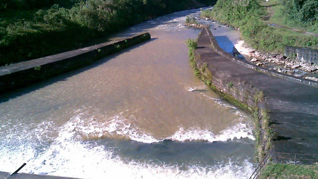 El ministro Luis Motta Domínguez señaló que dichos recortes se debía al bajo nivel de los embalses en el complejo hidroeléctrico Uribante Caparo