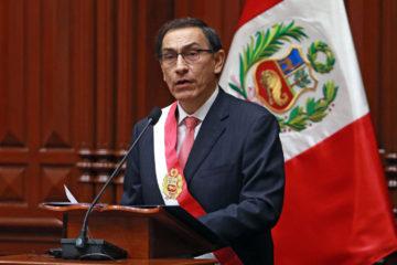 Doble llave - Vizcarra juramentará a su tren Ejecutivo en ocho días