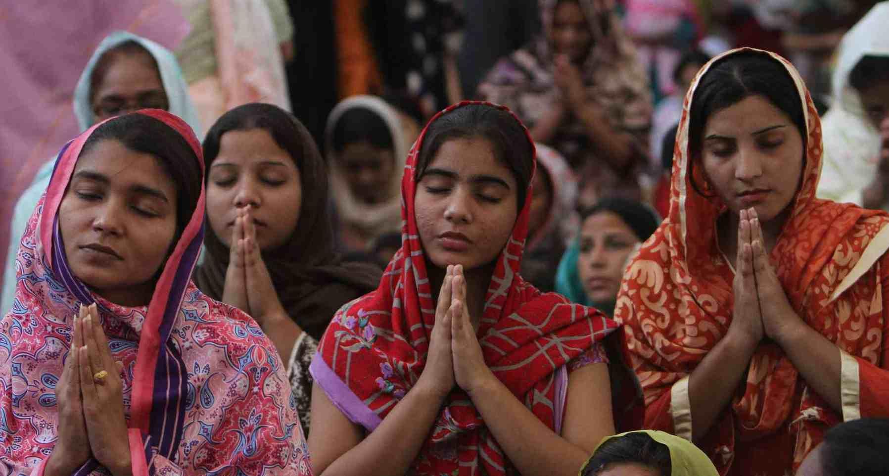 Doble llave - El Gobierno paquistaní creó la aplicación con la finalidad de reducir las tendencias extremistas en la sociedad que va contra los grupos religiosos