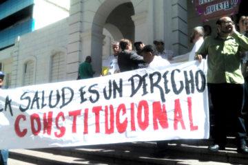 Manifestantes se congregaron frente a la sede de la institución en Caracas y pidieron que se respete el derecho a la salud
