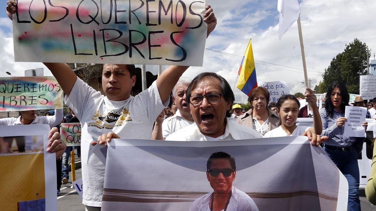 Piden una reunión con el presidente colombiano para que se incremente la actividad diplomática entre ambos países