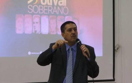 """El presidente del BCV, Ramón Lobo, indicó que la medida aplicará en los sectores públicos y privados para """"estar a tono"""""""