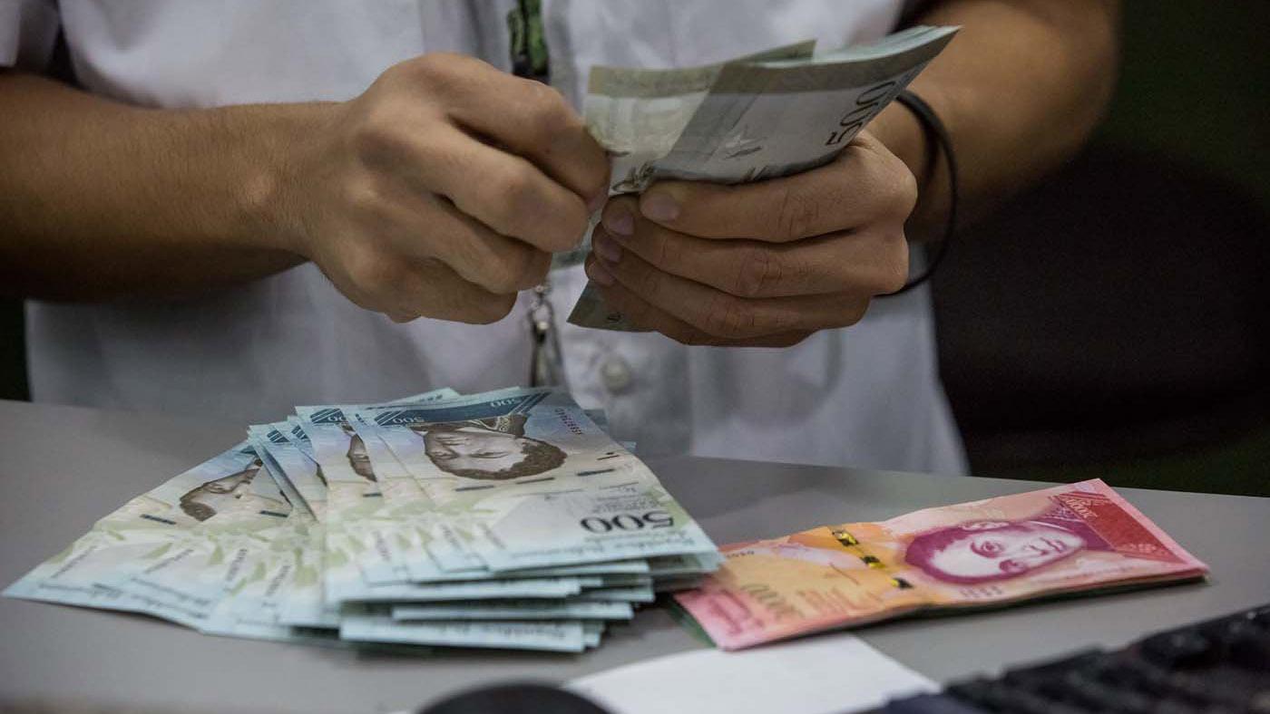 El también economista destacó que la tasa de inflación interanual de Junio 2018 es de: 46.305%