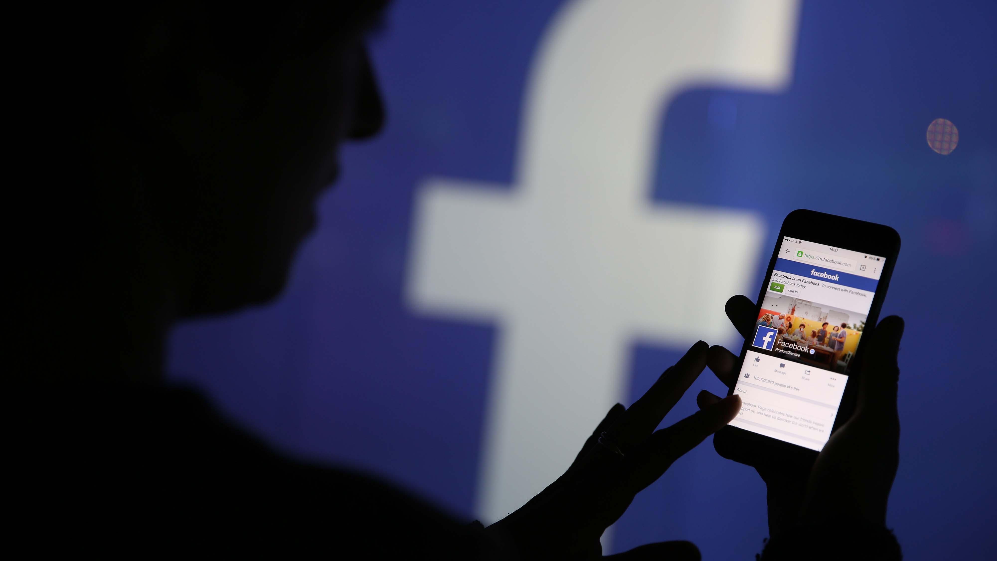 Doblellave-Facebook aplicará nuevas medidas para publicidad política