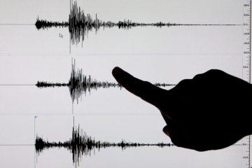 Según informaron autoridades de Nariño, dos personas fallecieron hoy por la caída de rocas tras un temblor