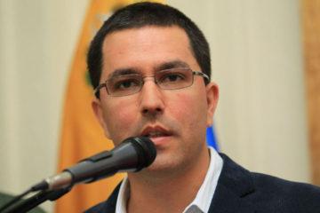 Jorge Arreaza pidió al mandatario francés no inmiscuirse en asuntos internos de Venezuela