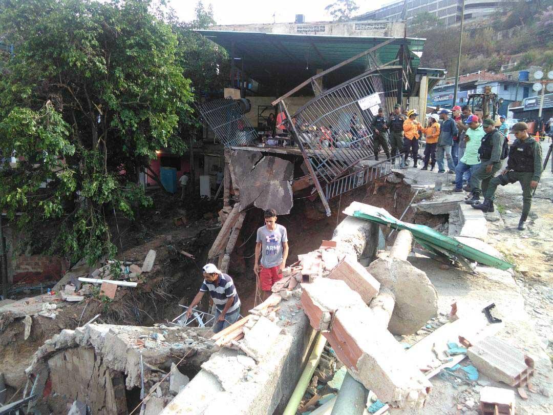 El ministro Ramón Velásquez, aseguró que a las 6:00 pm los municipios Hatillo, Baruta y Sucre contarán con el suministro