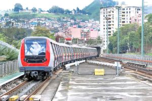 El medio de transporte mirando aseguró que la medida fue tomada debido al robo de cables en las vias