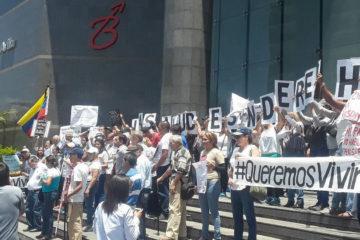 La manifestación llegó a la sede del Programa de la Naciones Unidas para el Desarrollo, donde se entregó un documento pidiendo apoyo internacional