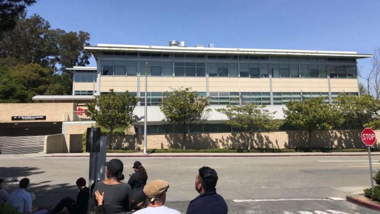 Doble Llave - Reportaron tiroteo en oficinas de YouTube en California