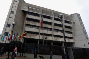 Dichas declaraciones son realizadas luego de que la AN continuara con la solicitud de antejuicio de mérito en contra del presidente Maduro