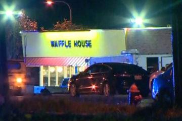 Un hombre blanco de 29 años llegó disparando con un rifle a un restaurante de la cadena Waffle House en horas de la madrugada