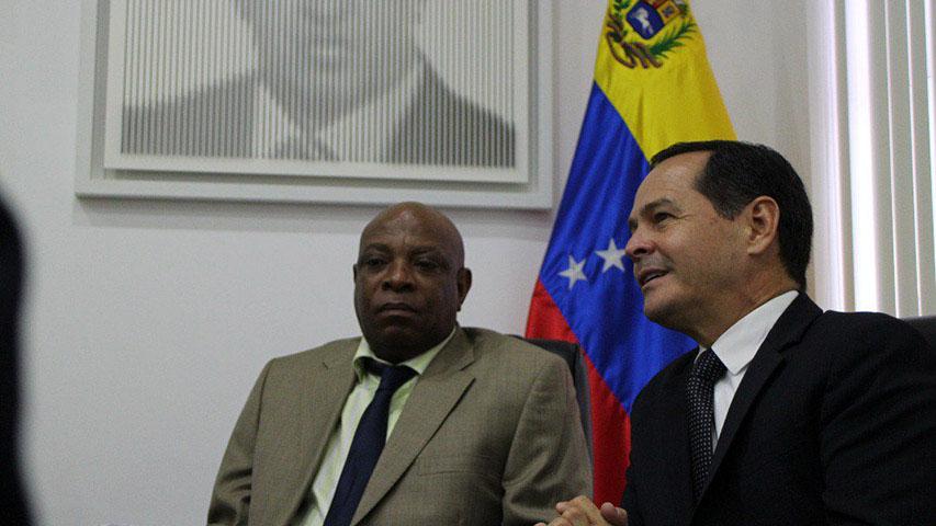 Doble Llave - Venezuela impulsa intercambio comercial con Sudáfrica