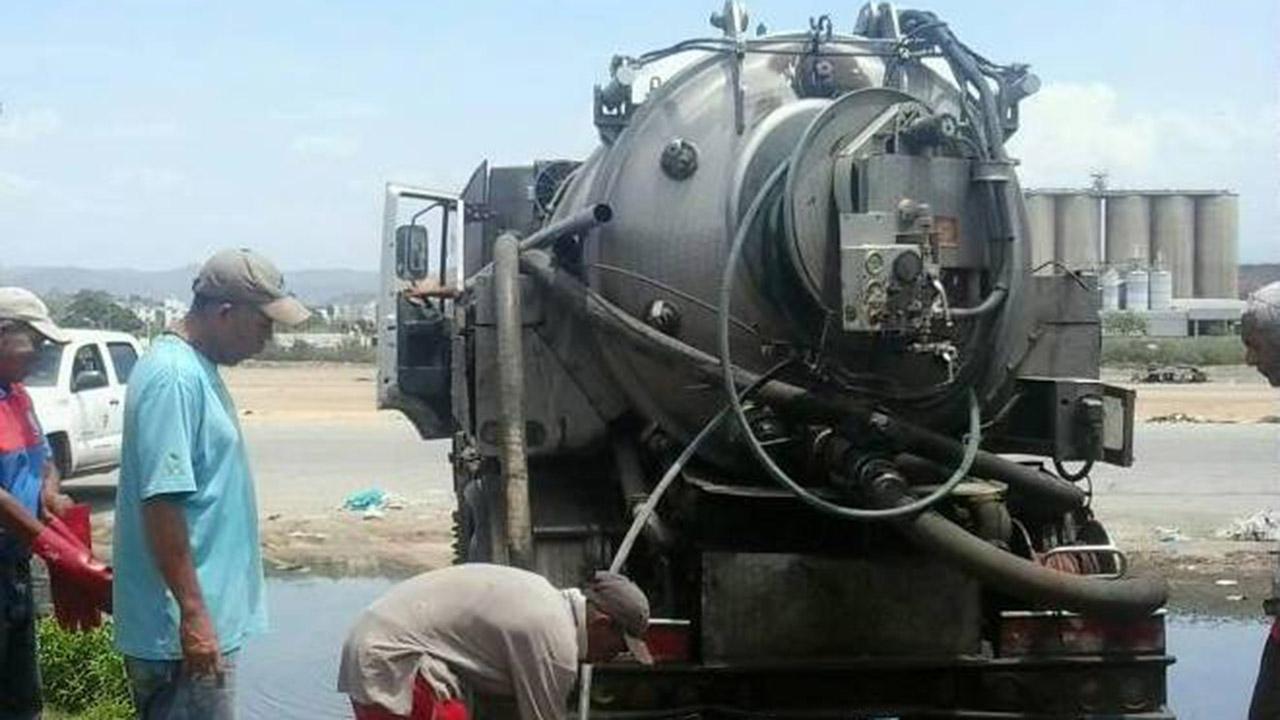 Doblellave-Hidrocaribe realizó mantenimiento de aguas servidas en Cumaná
