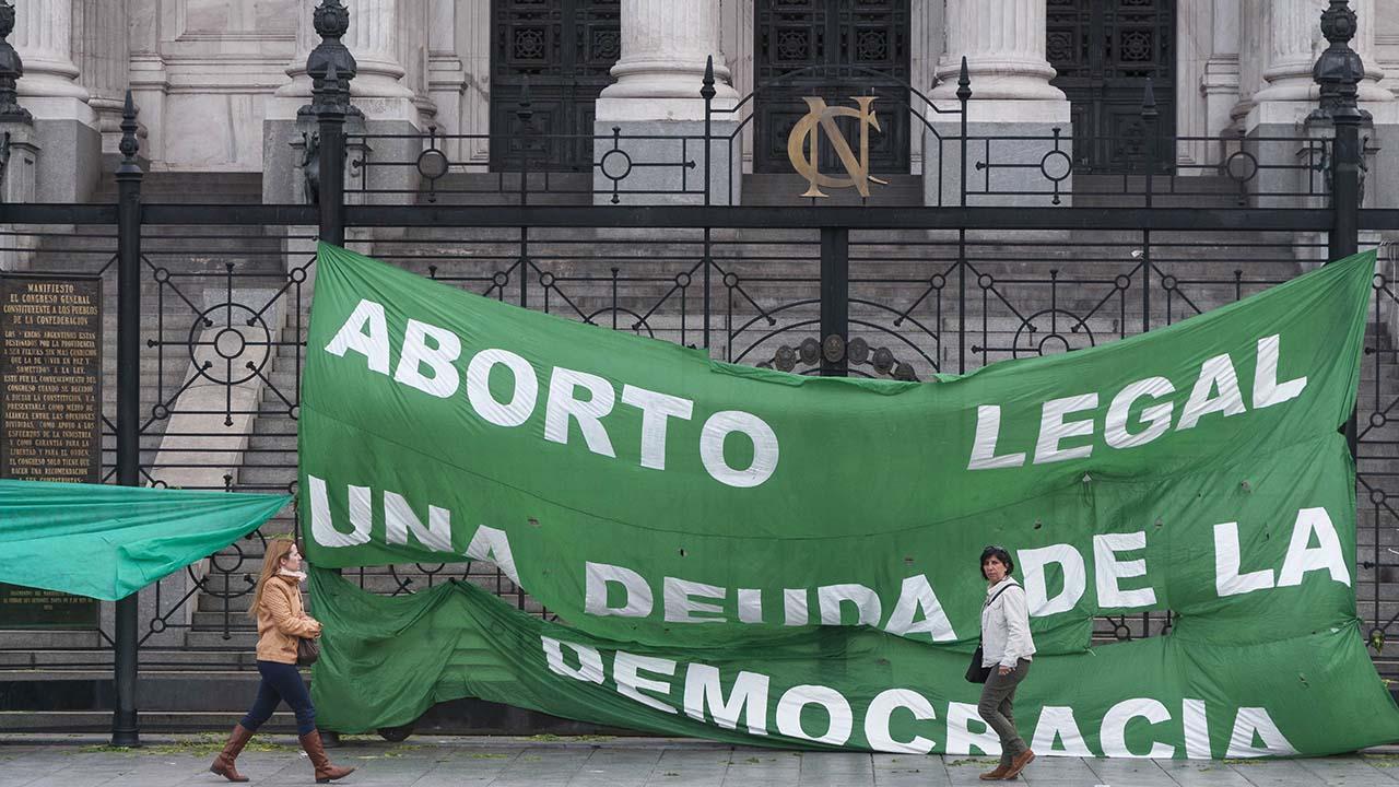 Doblellave-Inició debate para legalización del aborto en Argentina