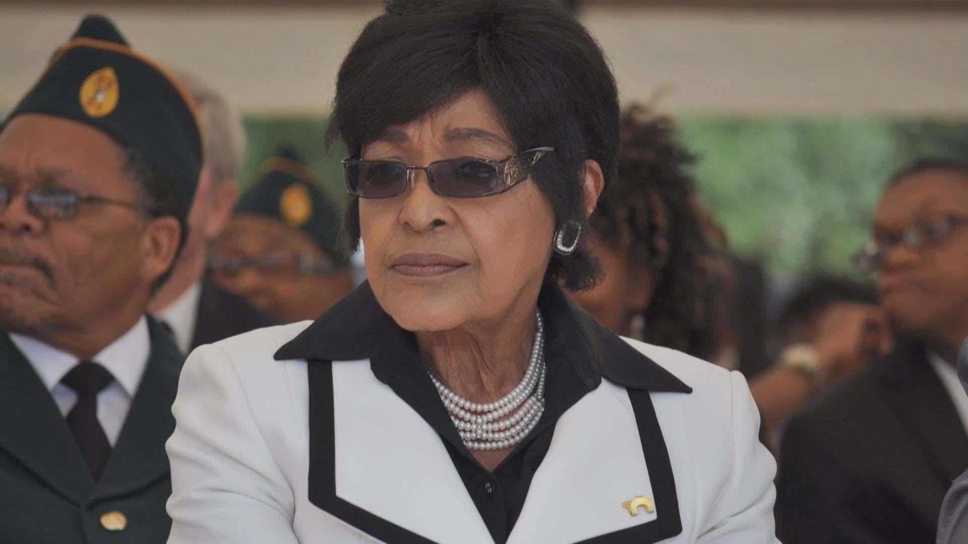 doble llave - La familia de la activista de 81 años indicó que murió en el hospital Milpark en Johannesburgo