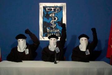 """El grupo armado anunció, mediante una carta enviada a organismo vascos, disolver """"todas sus estructuras"""""""