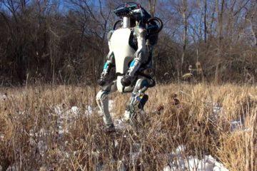 El androide fabricado por BostonDynamics revolucionó las redes sociales con lo que es capaz de hacer