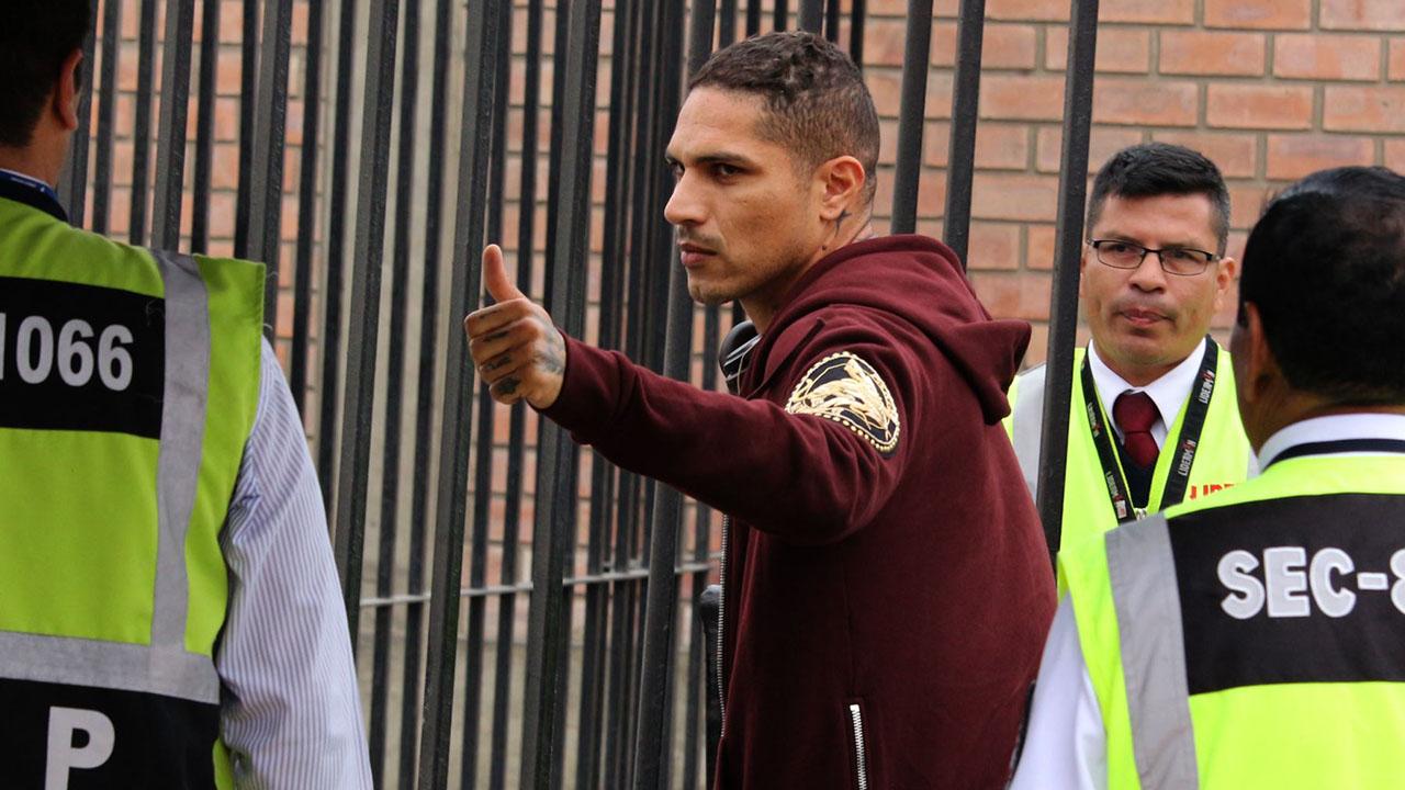 El presidente Martín Vizcarra anunció que acompañará las acciones judiciales que inicie el futbolista contra la suspensión de 14 meses